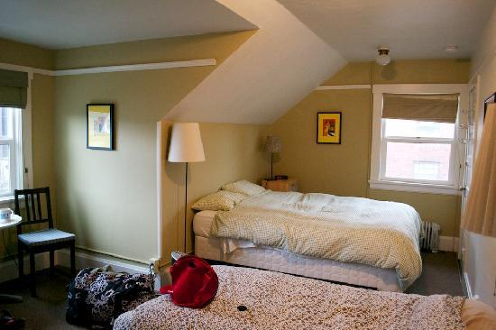Portland International Guesthouse: Room 4 - March 2011