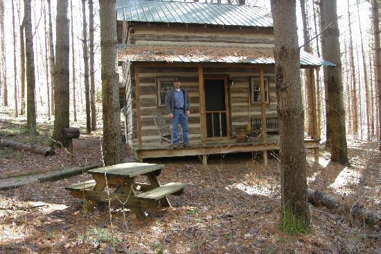 Hocking Hills Frontier Log Cabins: Green cabin