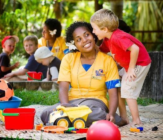 Outrigger Fiji Beach Resort: Mei Mei nanny