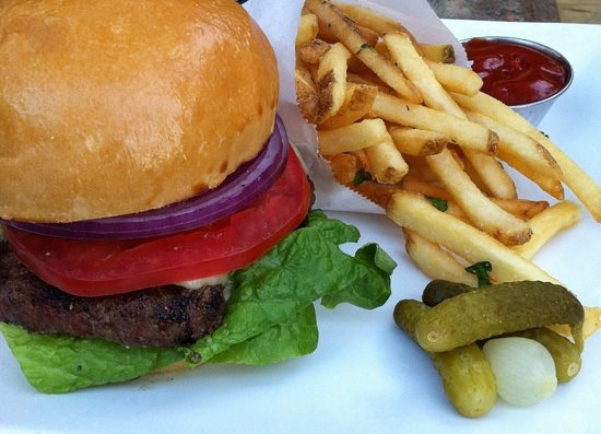 Tryst: Classic burger
