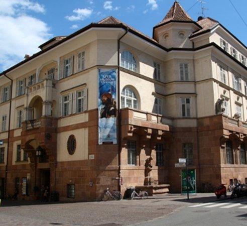 Südtiroler Archäologiemuseum : Provided by: Museo Archeologico dell'Alto Adige