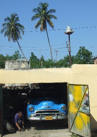 IBEROSTAR Grand Hotel Trinidad: Car workshop