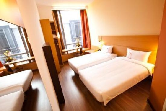 ibis Singapore Novena : Standard Room witn 2 Super Single Beds