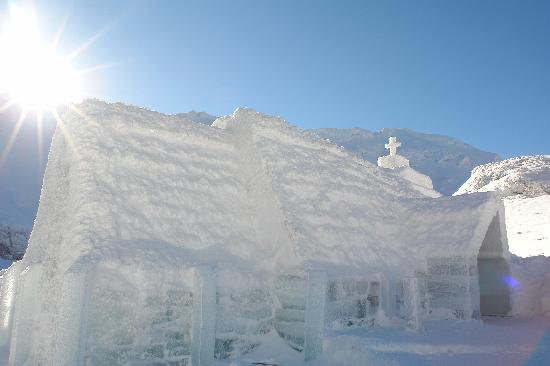 Fagaras, Rumania: Ice Church