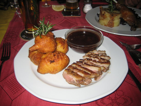 Spinoza Cafe: Roasted breast of goose with plum sauce