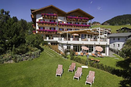 Hotel Sonnenheim: Ihr Hotel in Hafling in ruhiger Panomalage