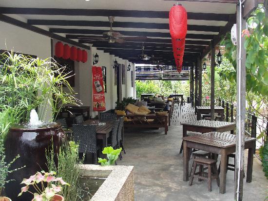 Basaga Holiday Residences: lounge area