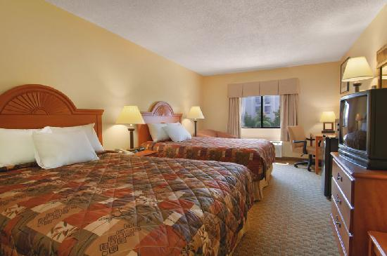 Baymont Inn & Suites LaGrange: 2 Queen Bedroom
