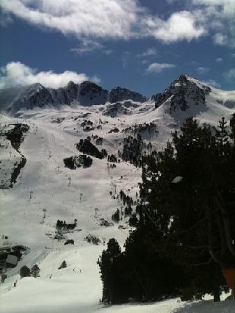 Hotel Llac Negre: slopes
