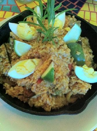 Pueblo Por La Playa Leisure Club, Inc. : Paella valenciana