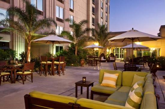 Doubletree by Hilton Hotel Los Angeles - Commerce: Palm Terrace Patio