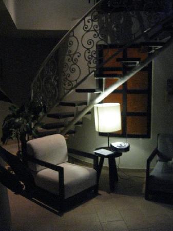 Hotel El Magnifico: Livingroom area