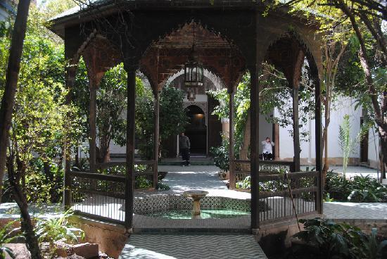 Dar Si Said Museum: Gazebo in the courtyard