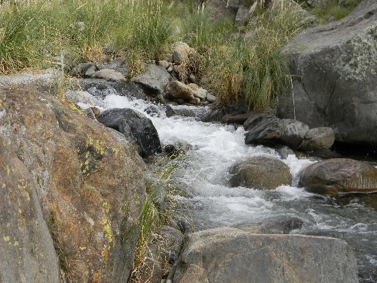 Estancia Altos del Durazno: Bajando al arroyo