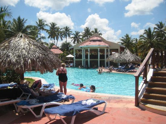 Be Live Collection Punta Cana: Main Large pool on Punta Cana side ... Open to both hotel guests. Pool bar well serviced.