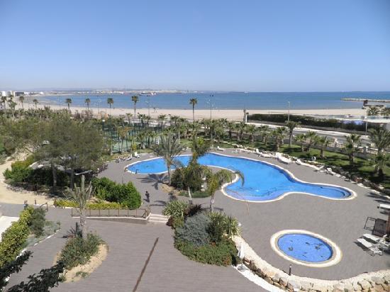 Gran Palas Hotel : VISTAS Y PISCINA EXTERIOR
