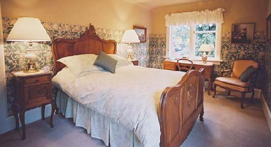Point Grey Guest House: Cambria Room