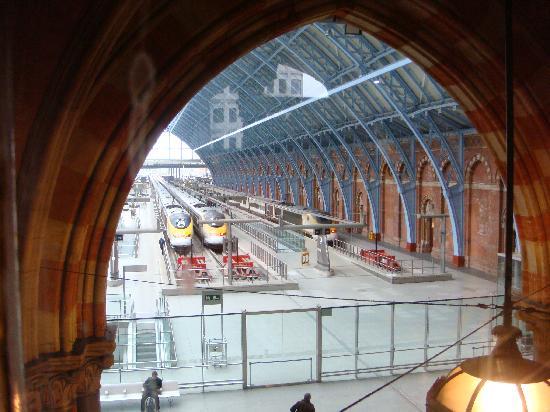 St Pancras Renaissance Hotel London View Into The Eurostar Terminal