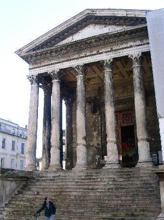 Nimes photos featured images of nimes gard tripadvisor - Maison carree nimes ...