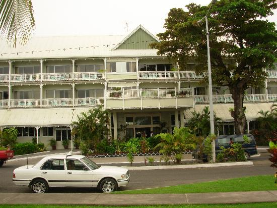 Sheraton Samoa Aggie Grey's Hotel & Bungalows: the front of the hotel