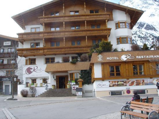 Hotel Rössle: Hotel Rossle April 2011