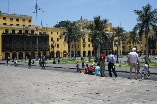 Sol de Oro Hotel & Suites: Plaza de Armas leicht durch Taxi zu erreichen