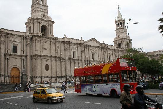 Sonesta Posadas del Inca: Plaza de Armas, das Herz der Stadt