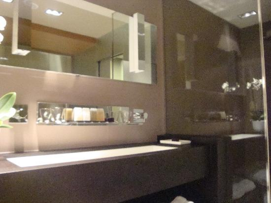 Valbusenda Hotel Bodega & Spa: lavabo del cuarto de baño