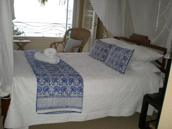 Watermark at Wategos : bedroom
