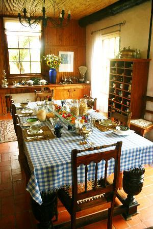 Narnia Farm Guest House: breakfast in the main house