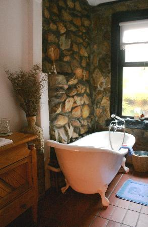 Narnia Farm Guest House: luxury bathrooms