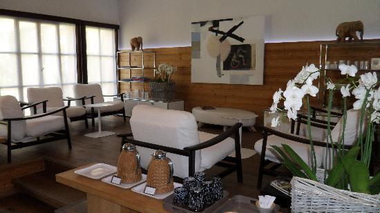 Baumanière les Baux de Provence : Le salon d'attente du spa