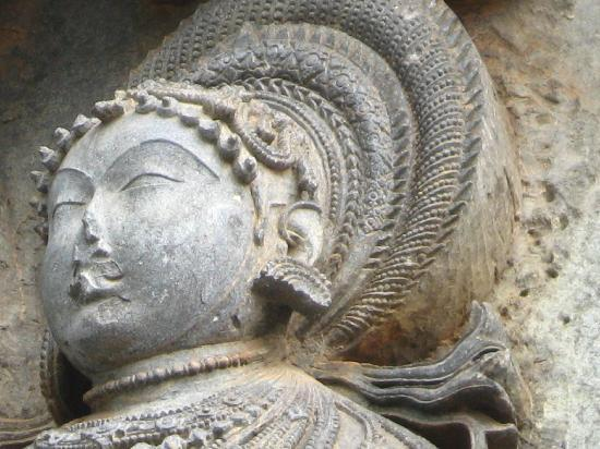 Belur, India: The actual size of this head is outstretched palm of your hand