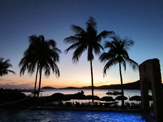 Marriott's Frenchman's Cove: Pool Sunset
