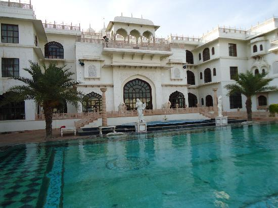 The Shiv Vilas: swiming pool