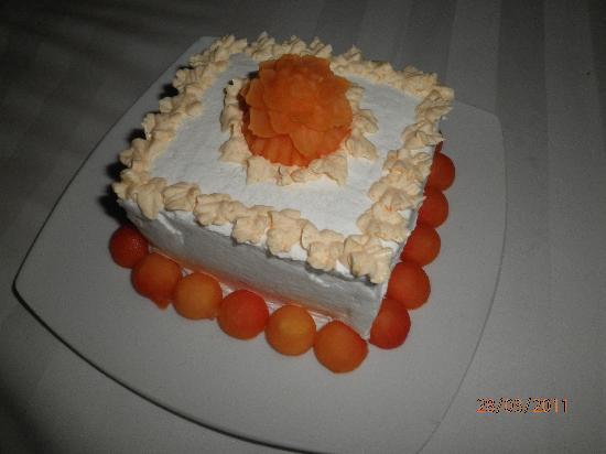 Birthday cake - Photo de The Vira Bali Hotel, Kuta - TripAdvisor