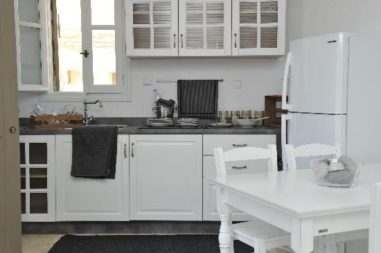 Stagones Luxury Villas : our full equipped kitchen