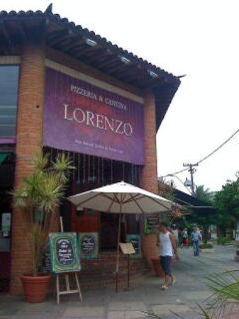 Lorenzo Pizzeria & Cantina : Lorenzo ,centro de Bucios.