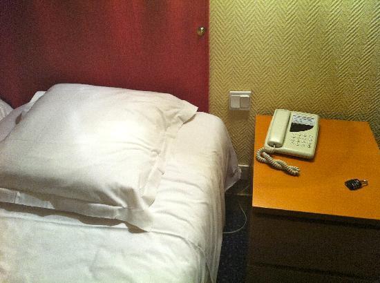New Hotel Candide : letto