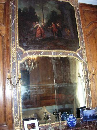 Special Apartments: Antique Mirror and Painting: Living Room