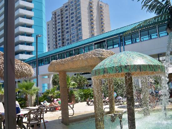 Landmark Resort: At the water area across the street