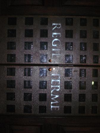 Grand Hotel Nuove Terme: una delle porte