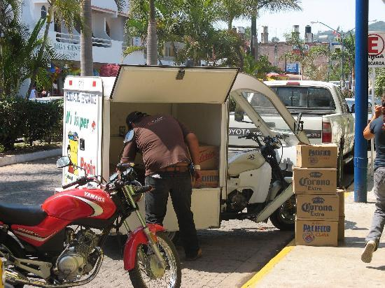 Decameron Los Cocos: Beer delivery