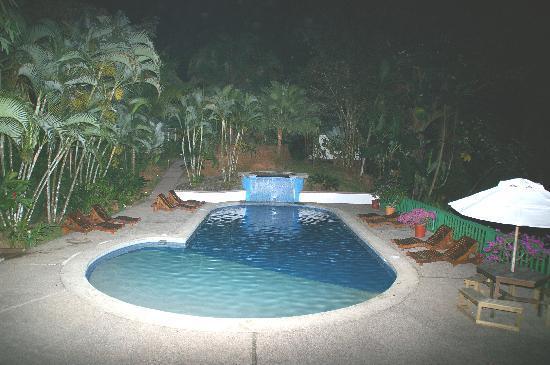 Hotel Villas Gaia: Pool bis Abends um 10.00 geöffnet