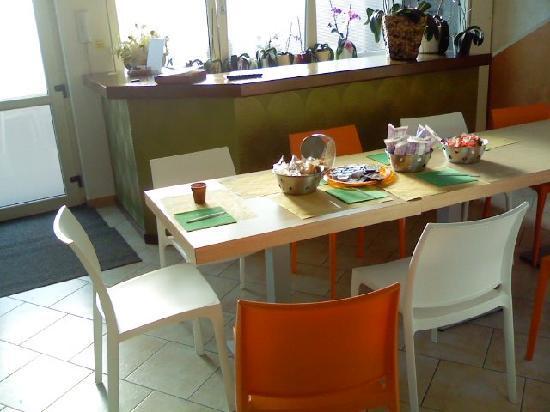 La Siesta Bed & Residence : Atrio e sala colazione