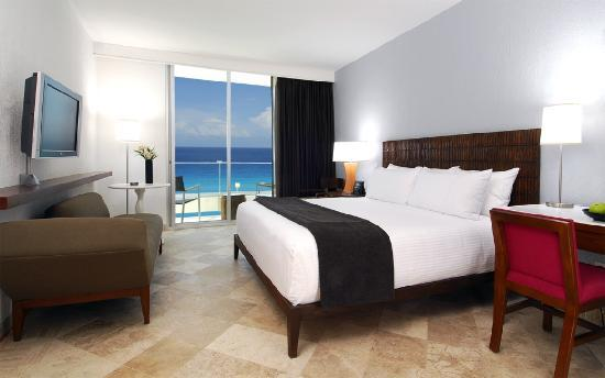 Krystal Grand Punta Cancun: Ocean view room