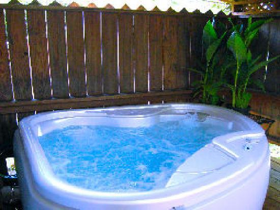 Wildflower Cottages: Private Hot Tubs