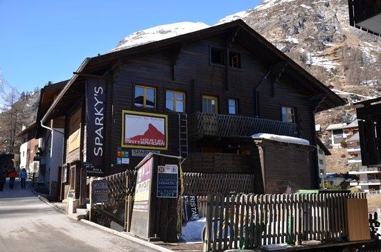 Sparky's Bar & Restaurant: Sparky's restaurant