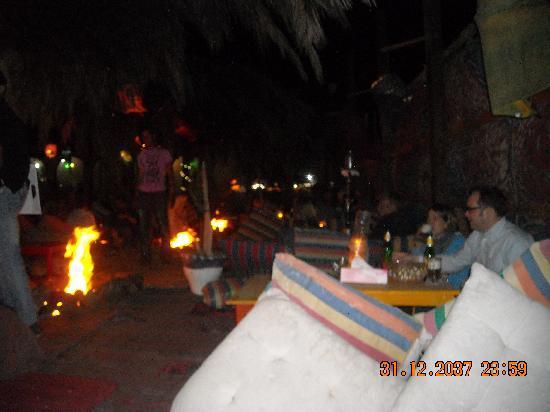 Meya Meya : nice time by fire