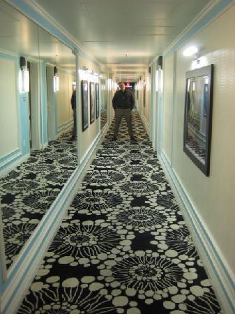 El Cortez Cabana Suites: Hallway